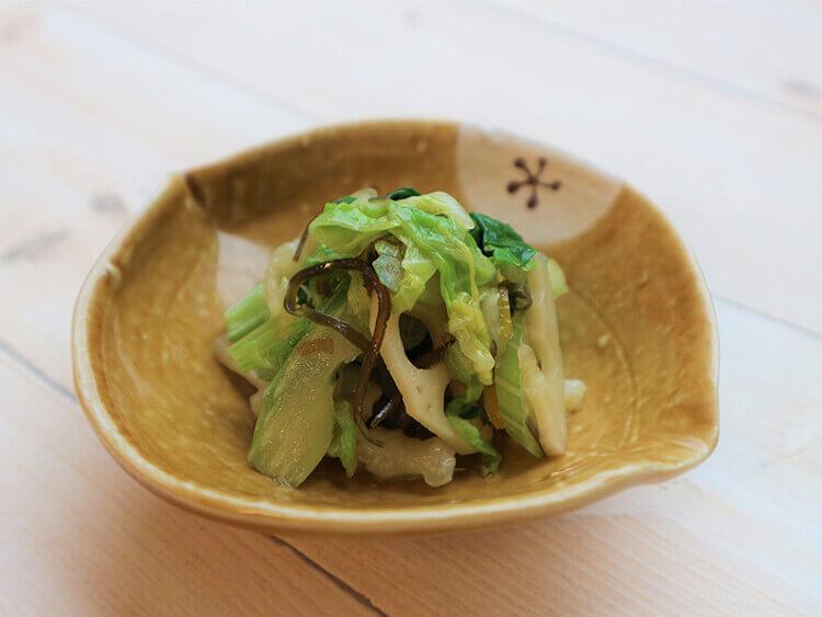 セロリと白菜の塩昆布和え