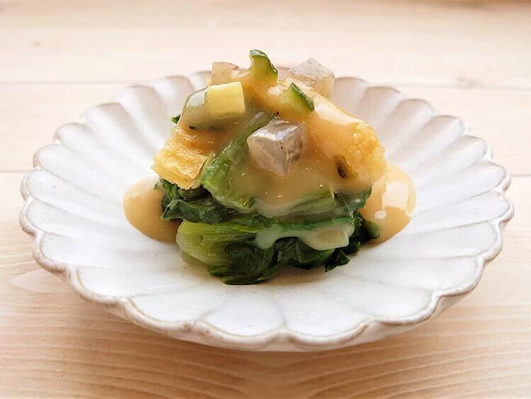 青梗菜と薄上げの辛子味噌掛け精進餡かけ
